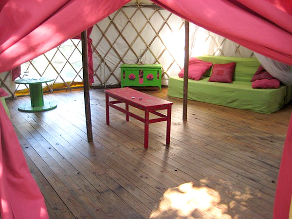 camping-ecologique-yourtes